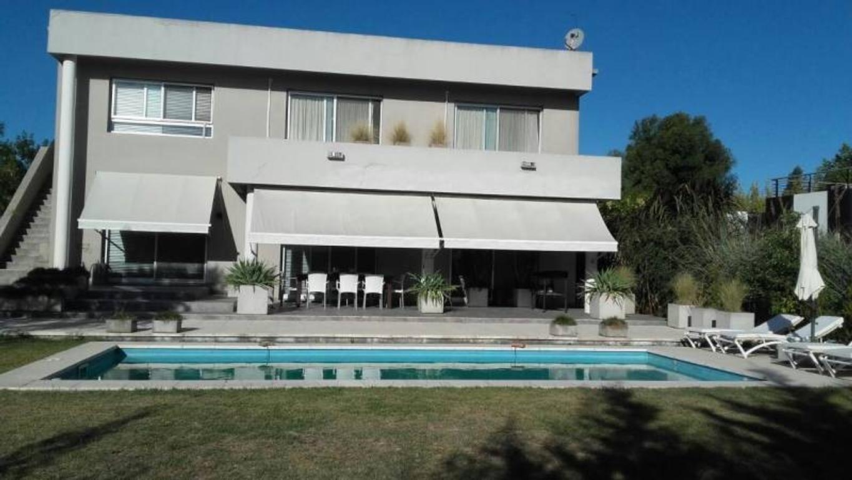 Casa a la venta en el barrio san Isidro Labrador Villa Nueva Tigre
