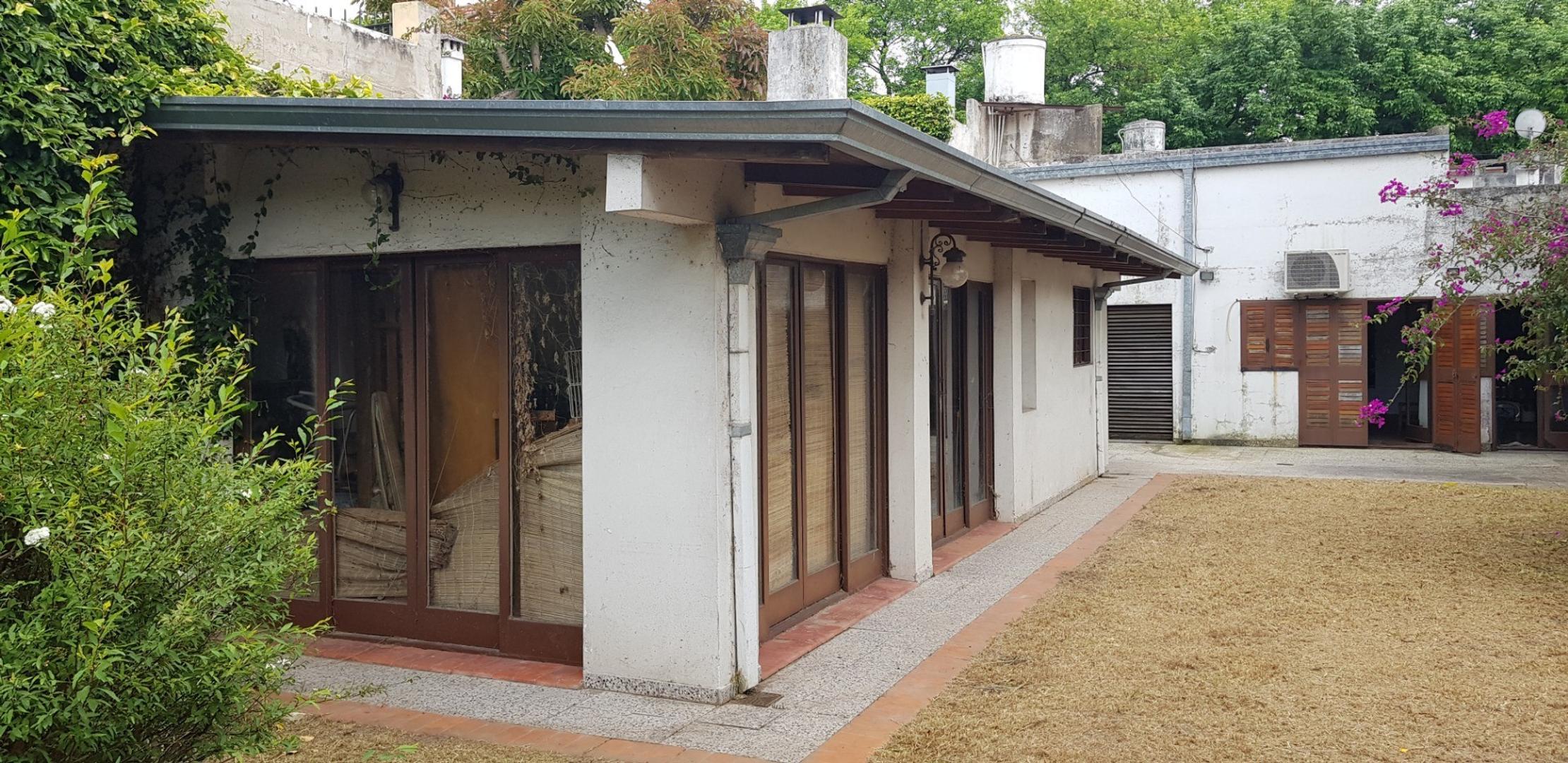 importante case sobre lote de 10x60 5 dormitorios, cochera doble, venta. 62 8 y  9  - Foto 23