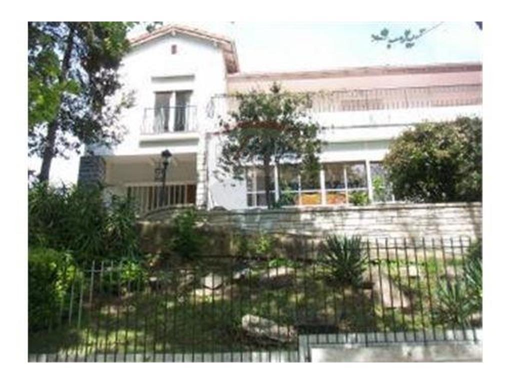 Venta Casa Vicente Lopez 4 Cocheras Jardin Pileta