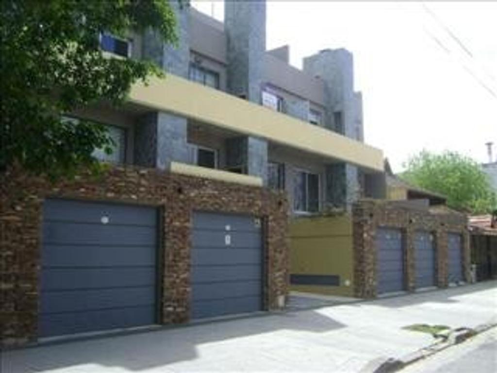 Departamento tipo casa en Venta de 2 ambientes en Capital Federal, Villa del Parque