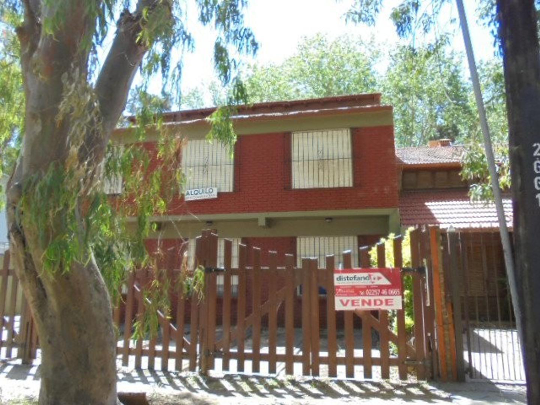 XINTEL(DIT-DIT-4543) Casa - Venta - Argentina, San Bernardo - ZUVIRIA 781