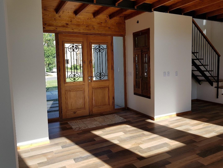 Casa - 210 m² | 3 dormitorios | A estrenar