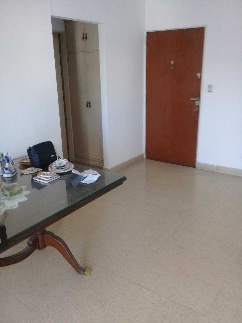 Departamento en Venta en Monte Castro - 2 ambientes