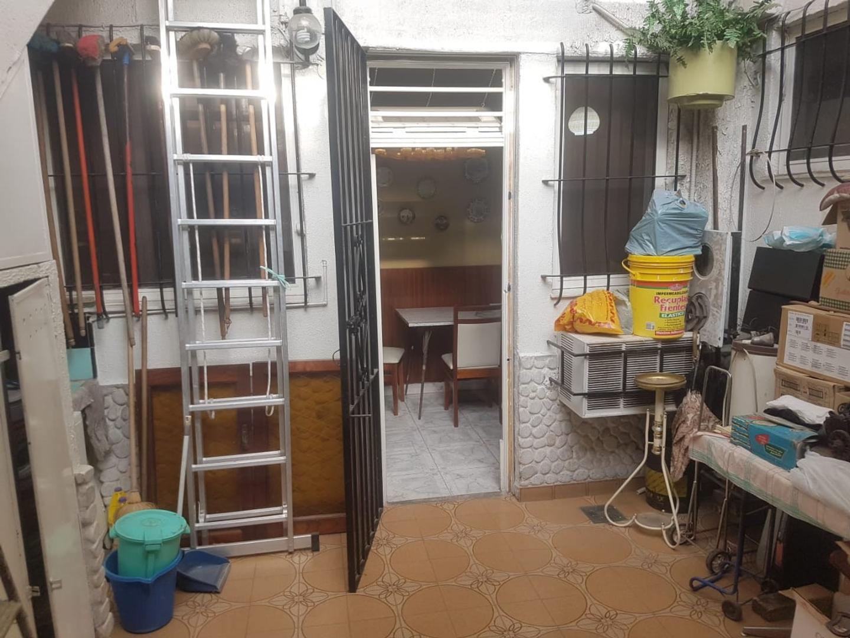 T/ casa 3 ambientes al frente, entrada indep, mas habit en altos, patio con parrilla y gran terraza - Foto 20