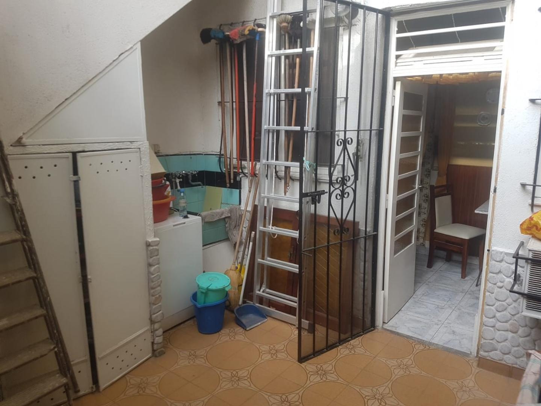T/ casa 3 ambientes al frente, entrada indep, mas habit en altos, patio con parrilla y gran terraza - Foto 19
