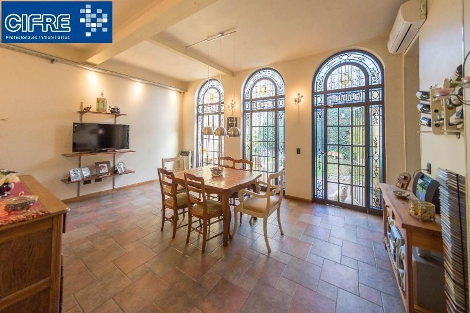 Casa 5 amb + patio + parque + quincho + parrilla + terraza (Suc. V. Pueyrredon 4574-4444)