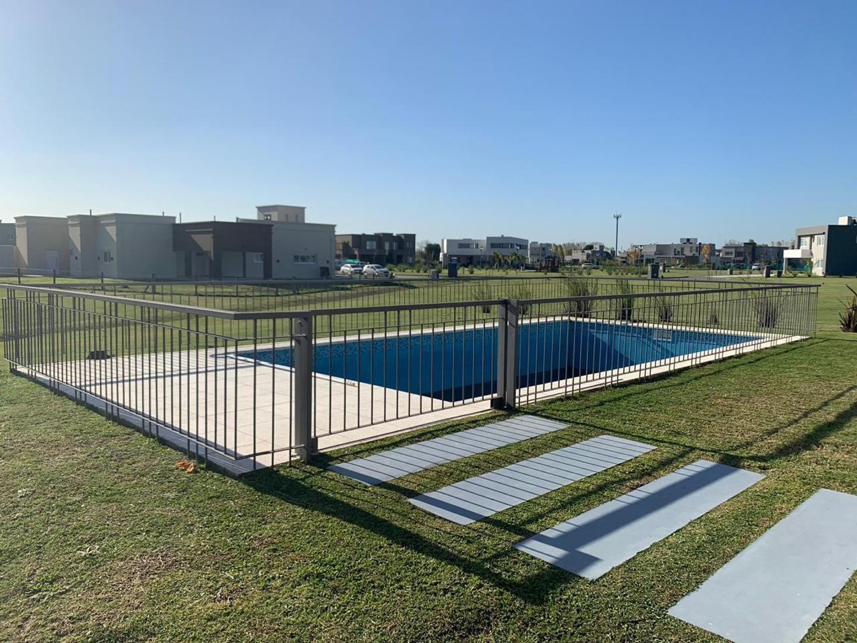 Casa - 400 m² | 6 dormitorios | A estrenar