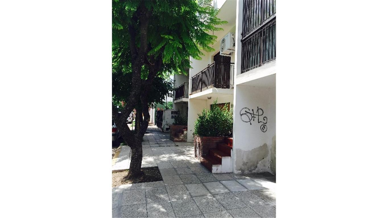 Vendo duplex en Paso del Rey centro