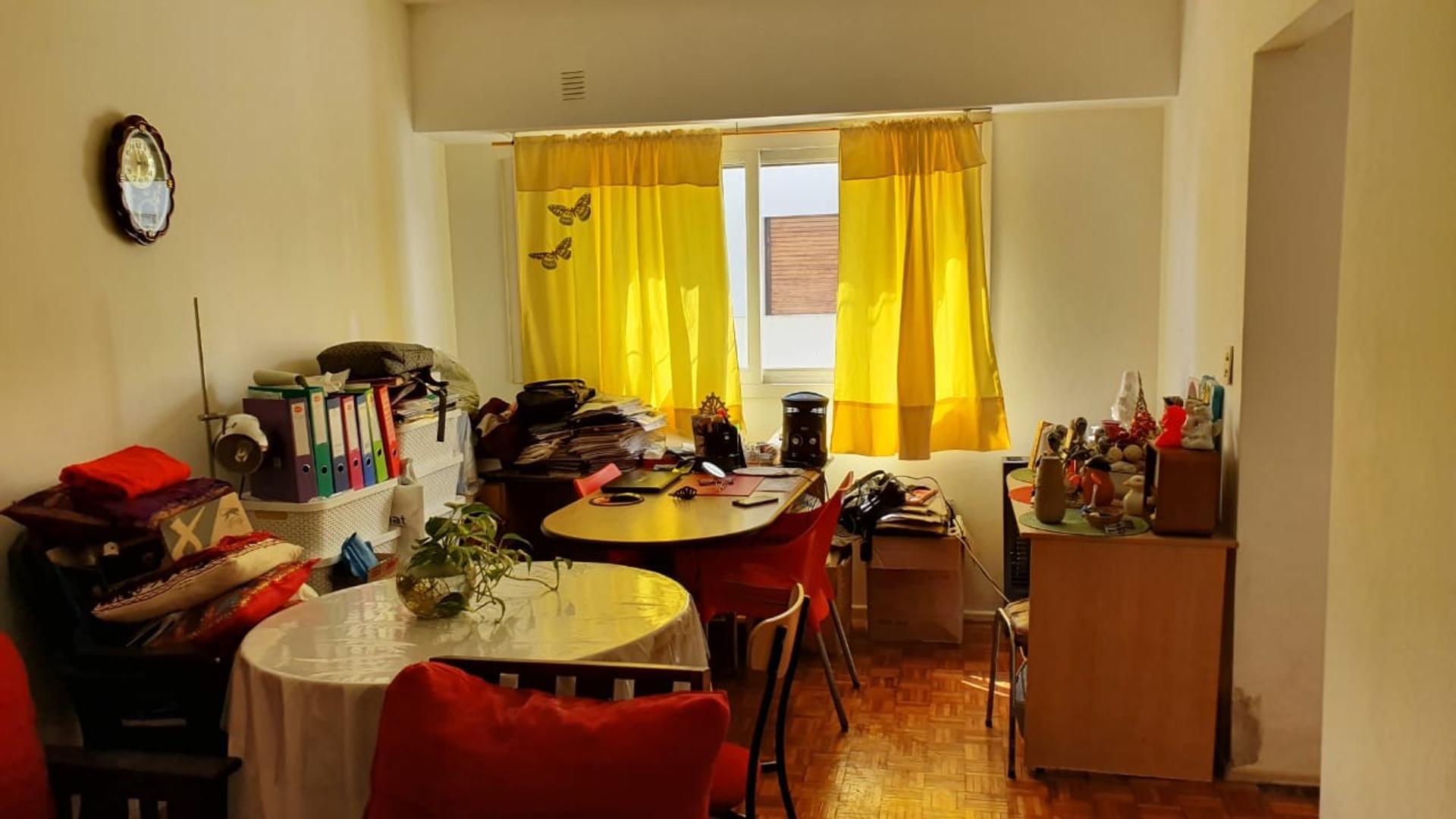 Av. Corrientes 2000 - 2 ambientes