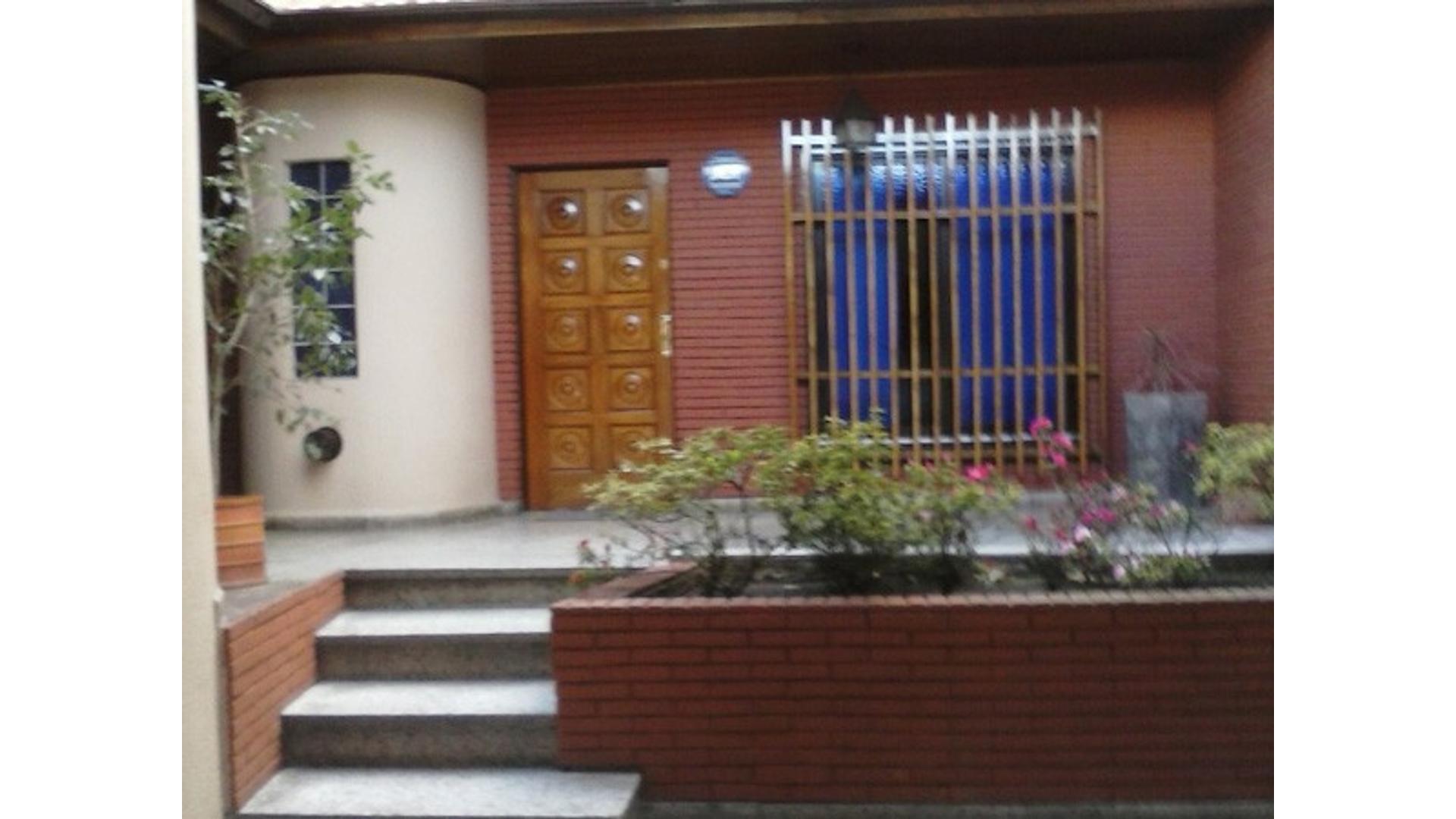 Excelente casa 5 ambientes. Zona San Martín