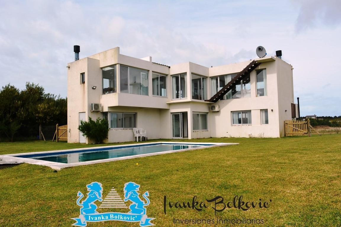 Costa Esmeralda Venta Casa Residencial Caminando a La playa