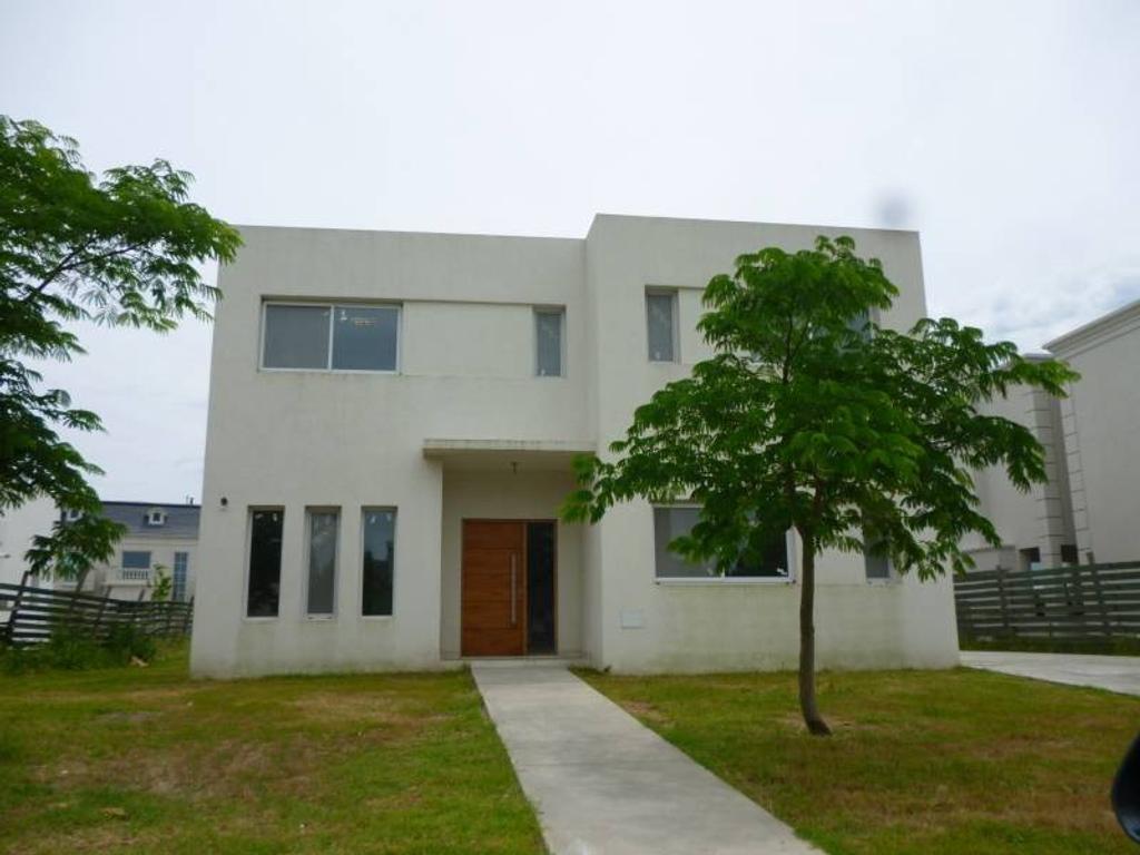 Casa en Venta con renta, en Los Lagos, Nordelta