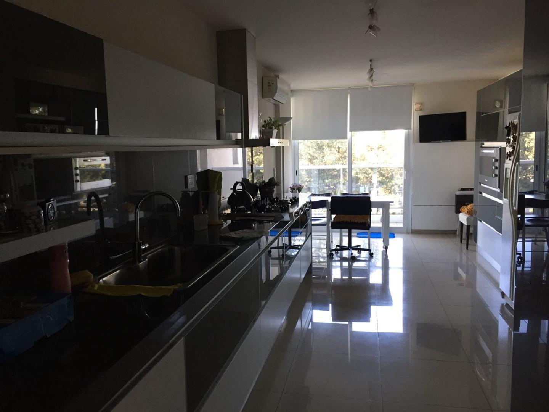 Casa en Venta en Villa Belgrano - 4 ambientes