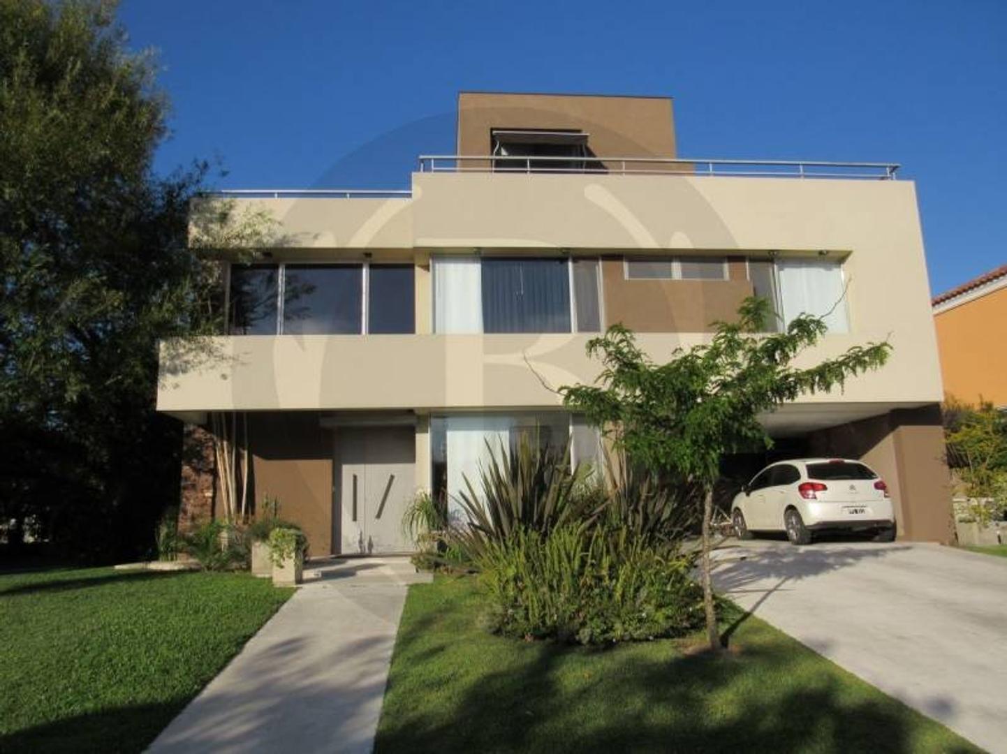 BUSTAMANTE PROPIEDADES - Barrio LOS SAUCES - 7998 - Escriturable apto credito Casa en Venta