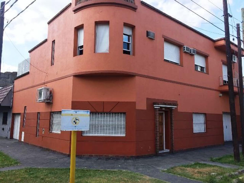 XINTEL(MKS-MKS-1838) Casa - Venta - Argentina, Avellaneda - GIUFFRA  AL 1400