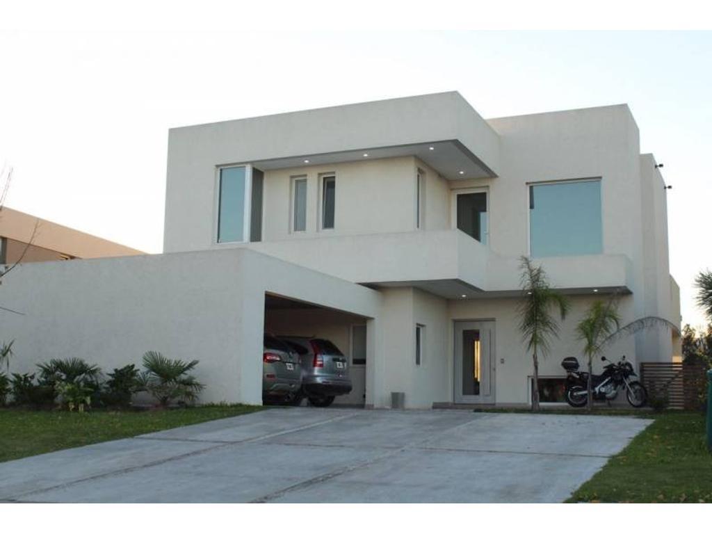 Casa en venta en Santa Teresa muy buena ubicacion!!
