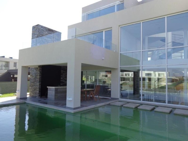Exclusiva propiedad en El Golf - Nordelta