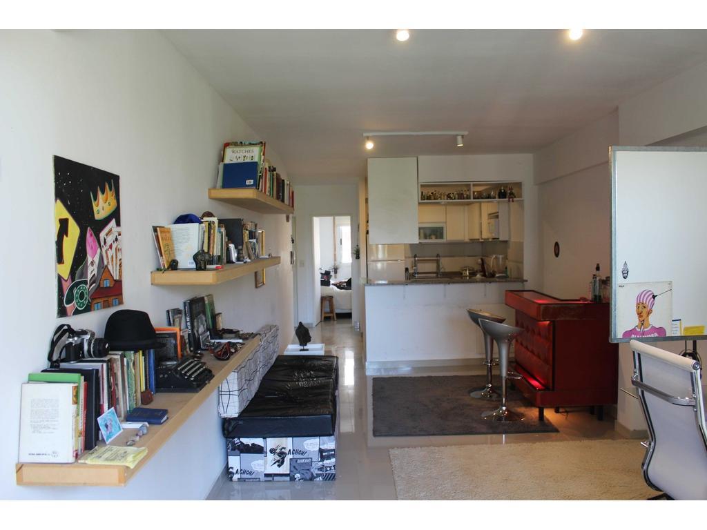 Luminoso departamento amueblado en Almagro en Alquiler