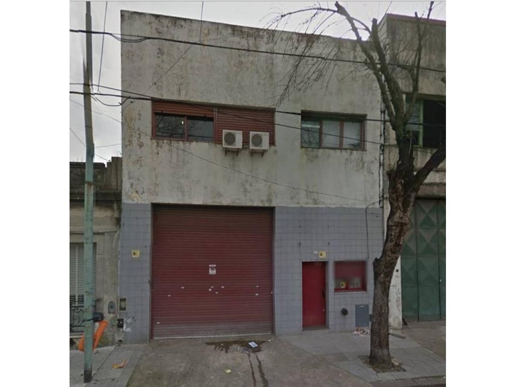 Deposito en venta Barracas 350m2- Santo Domingo 2400.
