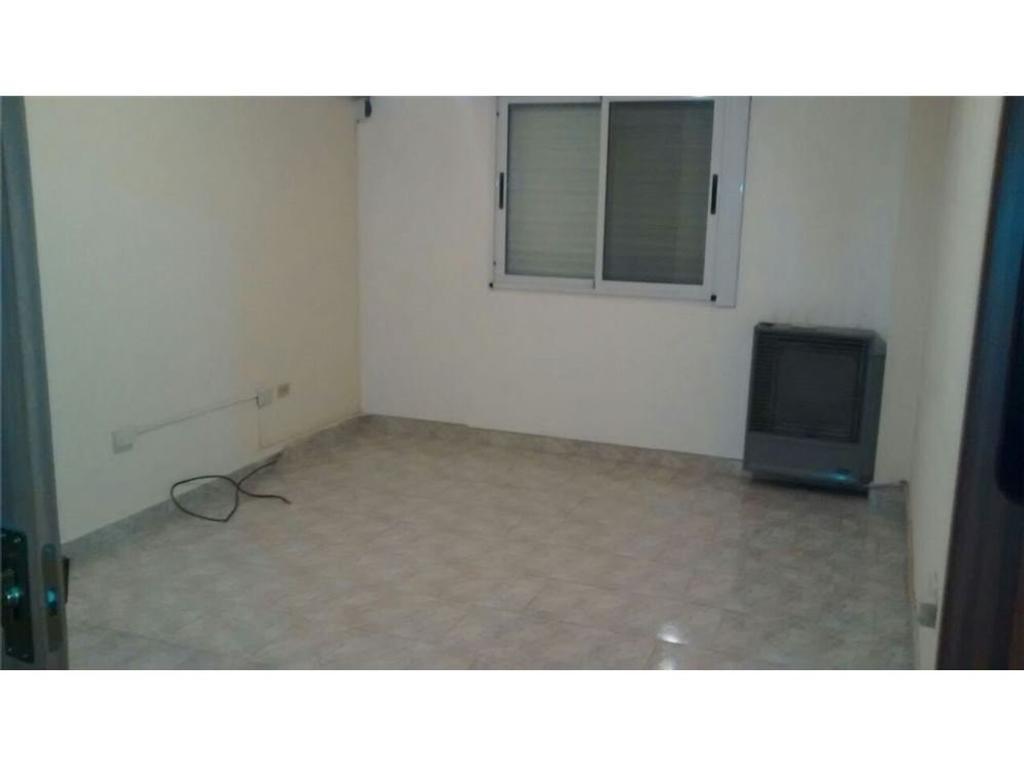 Departamento dos dormitorios en Tolosa Apto Banco