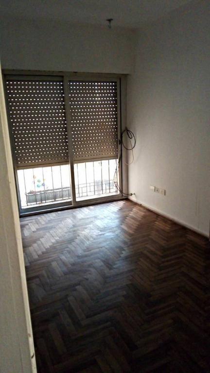 Alquiler departamento de 2 ambientes en recoleta.-