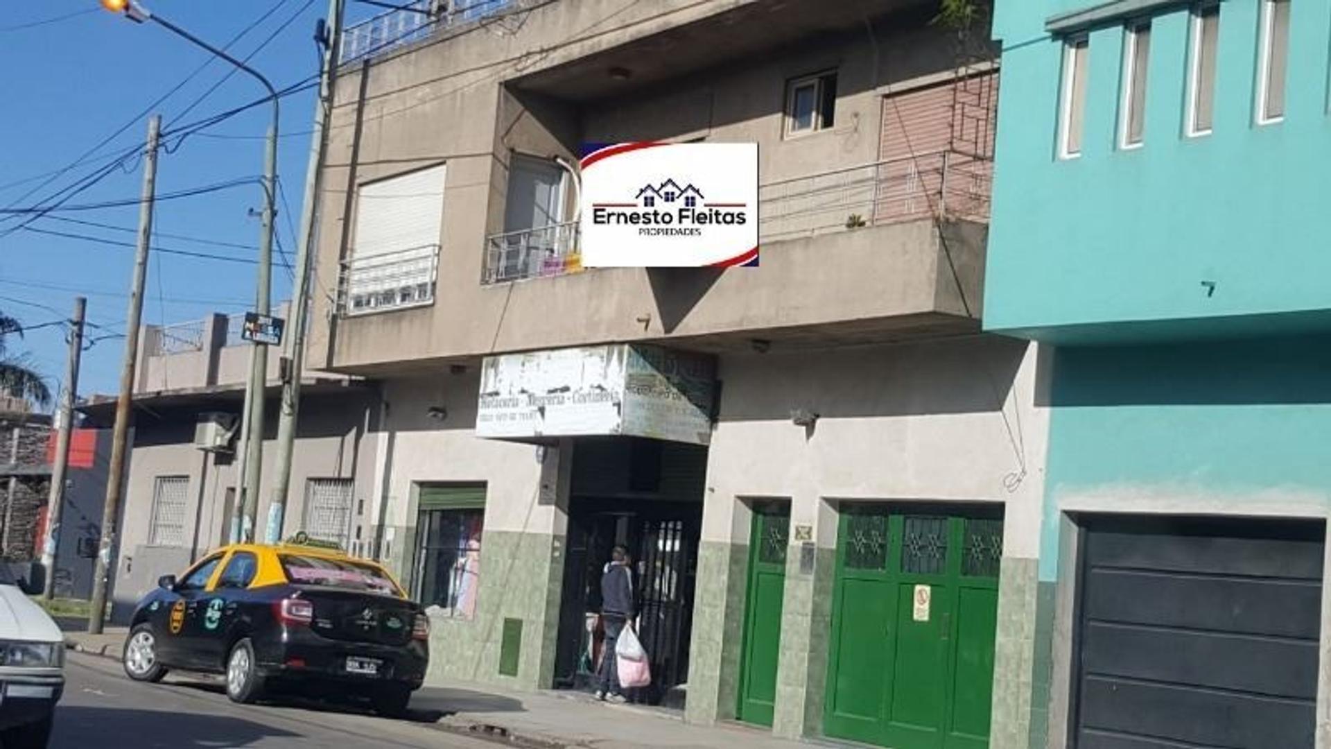 AV. Cristiania 3283, I. Casanova. Excelente propiedad sobre avenida comercial en Isidro Casanova!!!
