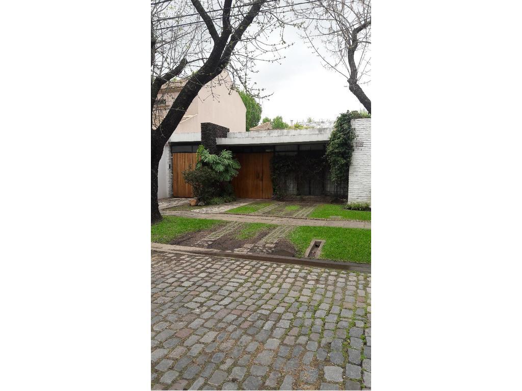 Excelente casa en Parque Cisneros