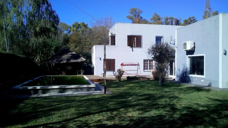 Casa en Villa Elisa apta a banco