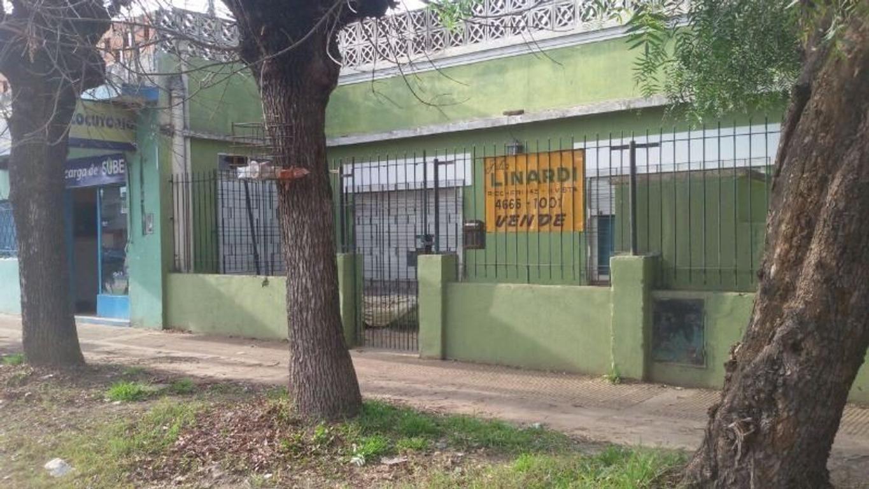 CASA CON LOCALES - BELLA VISTA