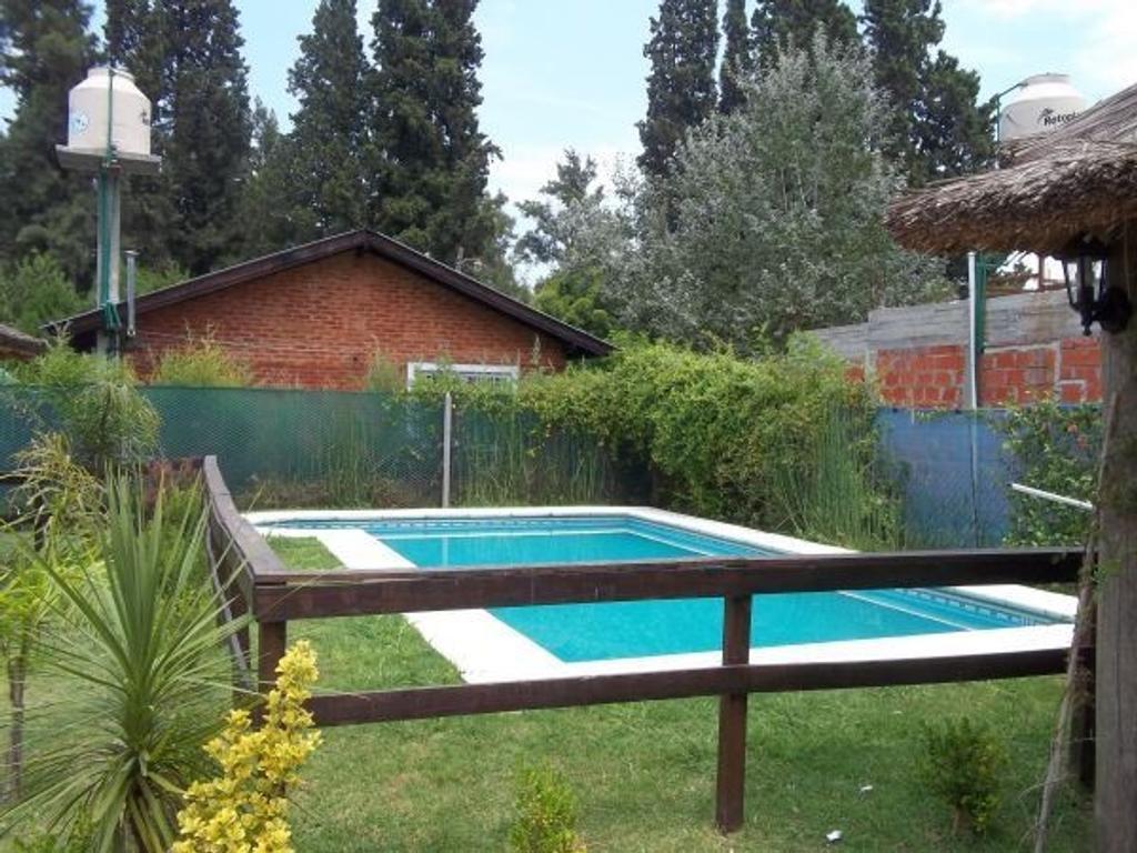 Casa con piscina e inmejorable ubicación en el centro de Canning!