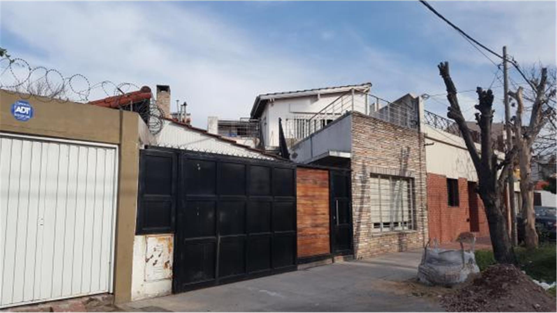 Casa en Venta en Villa Sarmiento