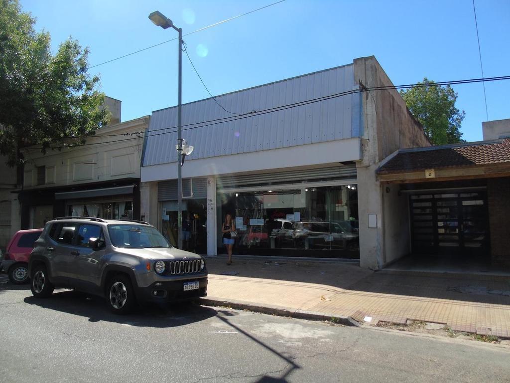 Local en alquiler en La Plata Calle 64 E/ 8 Y 9 Dacal Bienes Raices