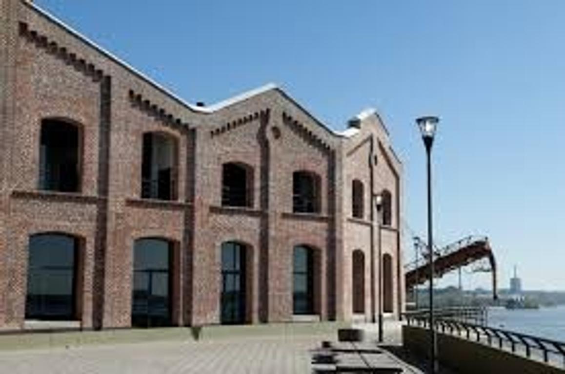 Forum Puerto Norte. LOFT 100m2. Categoría. Vista al río. Balcón. Parrilla. 2 Cocheras. Baulera.