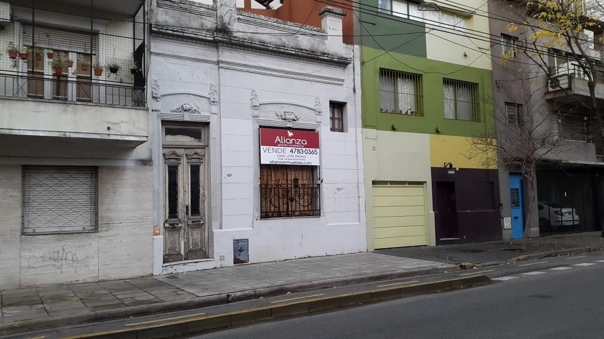 CASA CON LOTE PROPIO - MÚLTIPLES DESTINOS