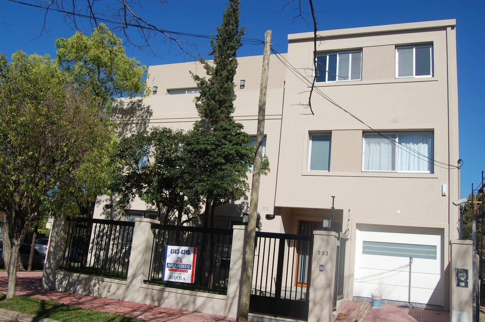 Casa en Alquiler en Martinez Vias / Libertador