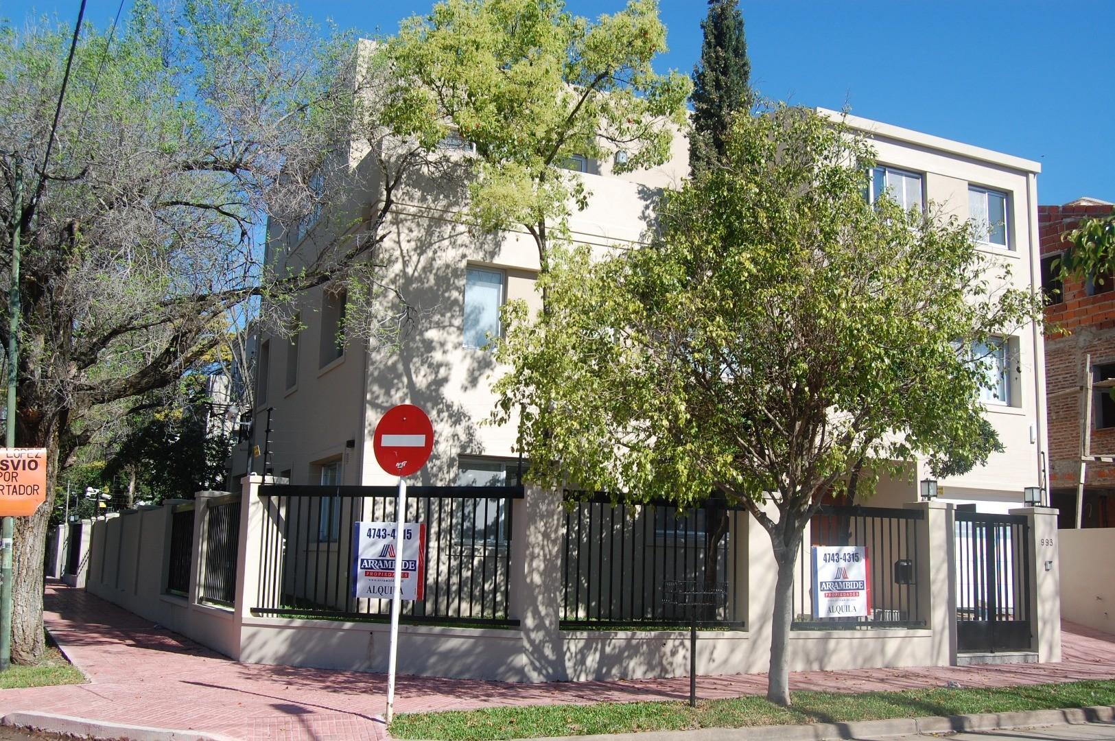 Casa en Alquiler - USD 4.800