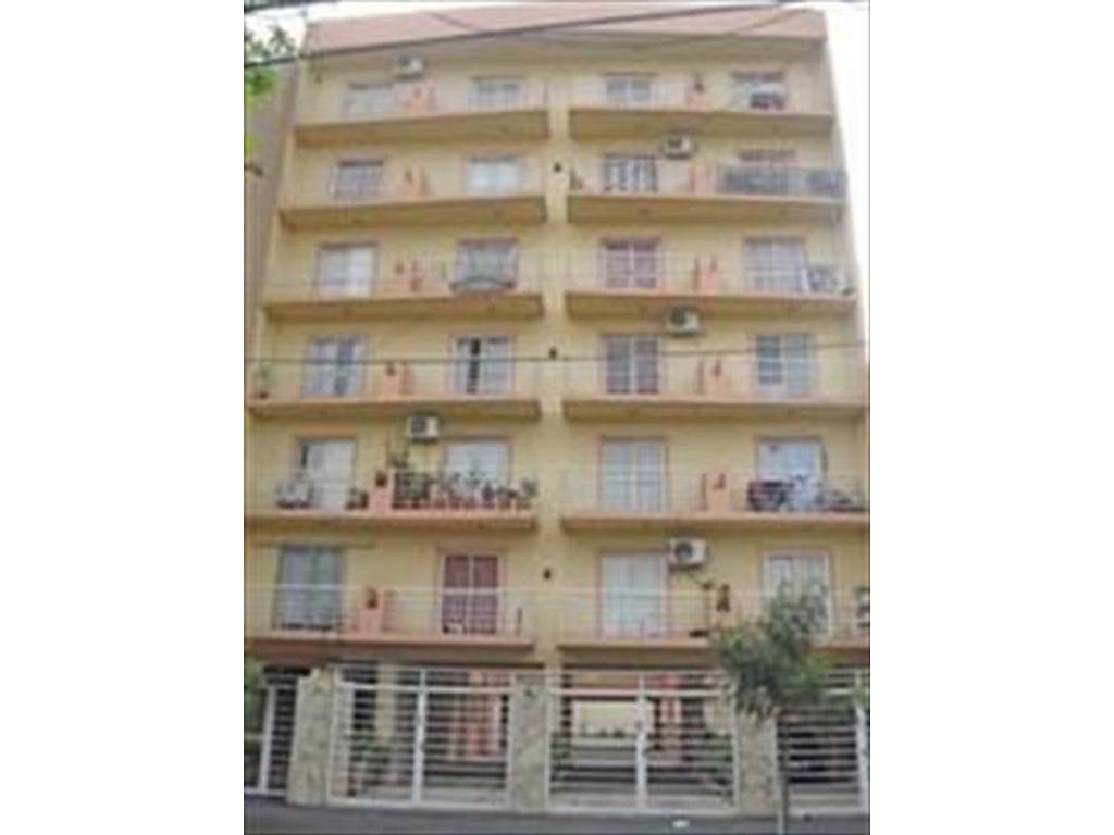 V359 Moron, Venta - Departamento 2 amb, con terraza, Excelente estado. Consulta: tel 4656-0788