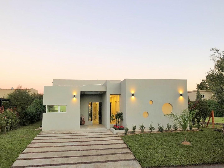 Casa en Venta en El Hornero - 6 ambientes
