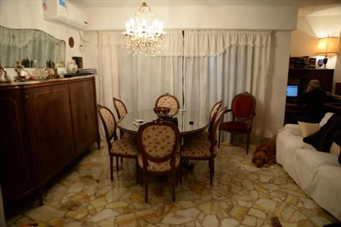 Departamento tipo casa en Venta de 3 ambientes en Capital Federal, Barracas