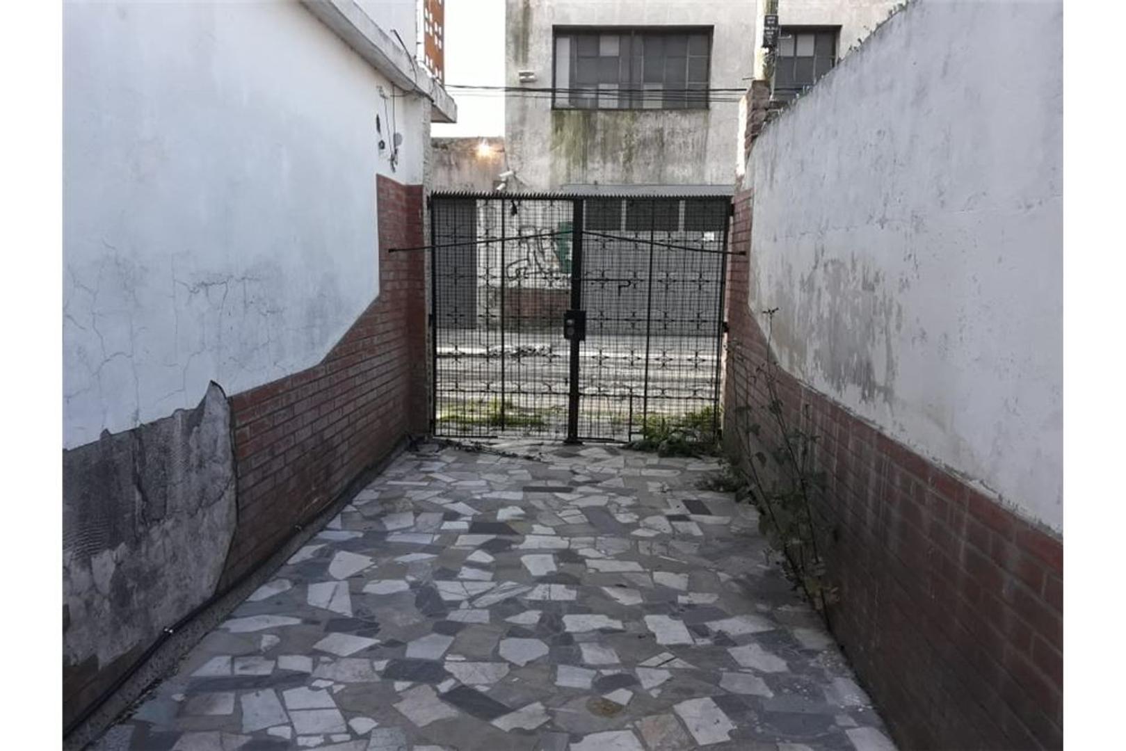 CASA CON TERRENO EN VENTA 4 AMBIENTES, CASEROS - Foto 18