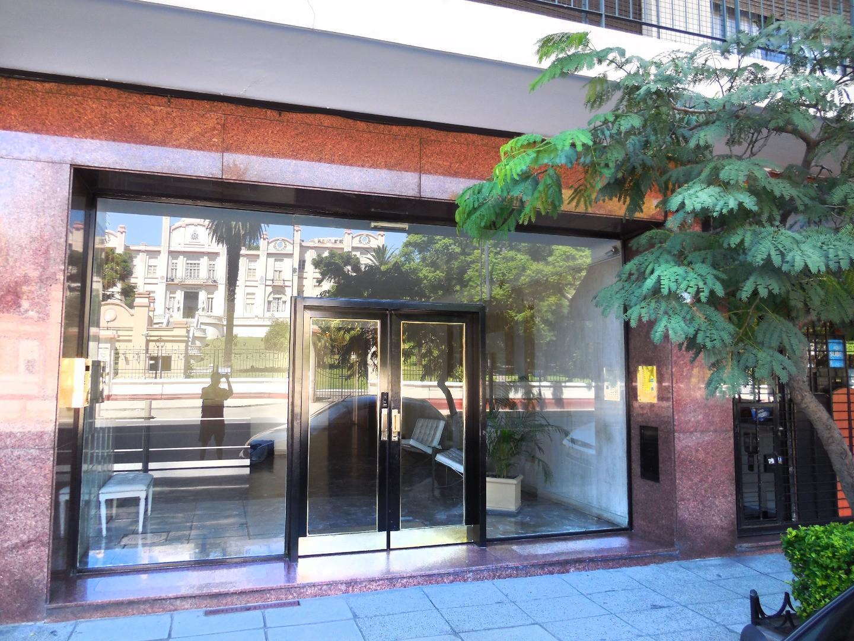 Excelente 4 Amb Edif Categoria, 10°Piso, Seguridad 24Hs, VistaAbierta, Muy Luminoso!