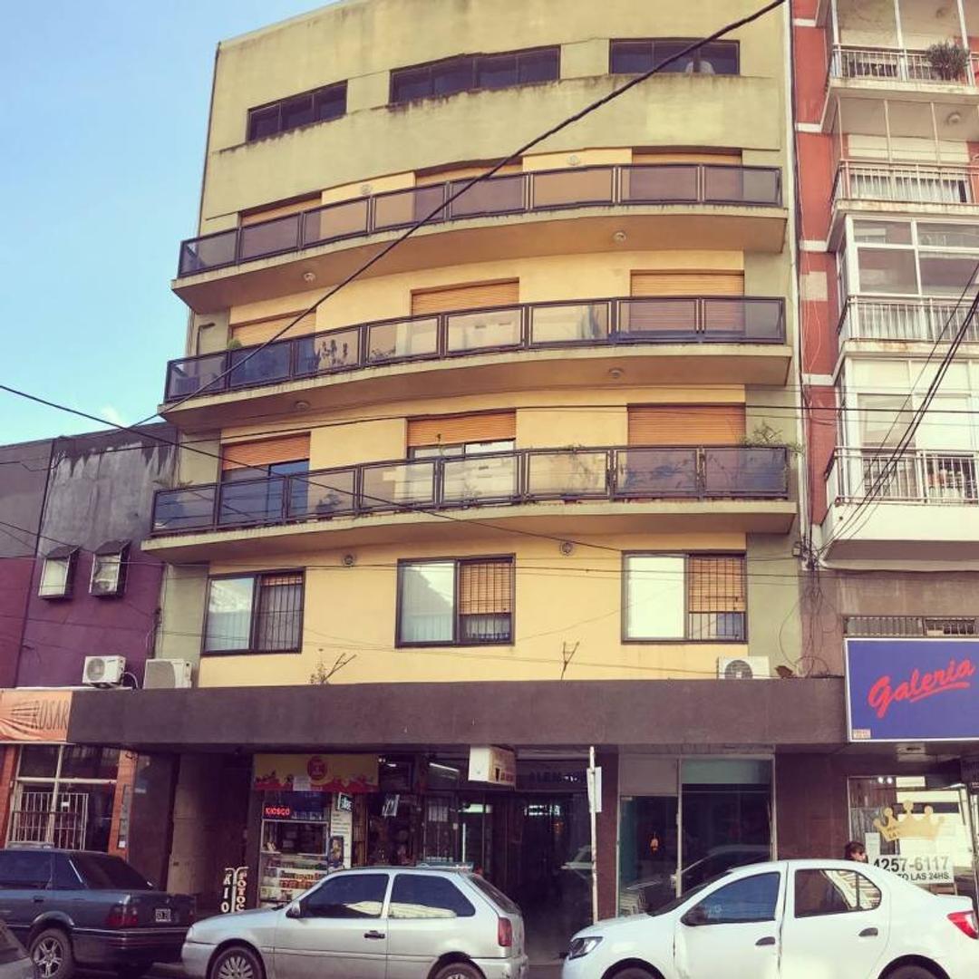 Departamento de 3amb. 3er piso - Quilmes Centro.