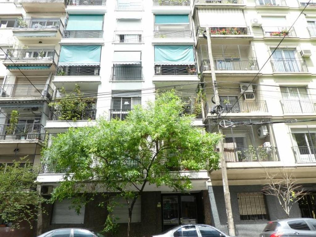 Venta de departamento: Palermo: 4 ambientes con dependencia. Frente 2 balcones