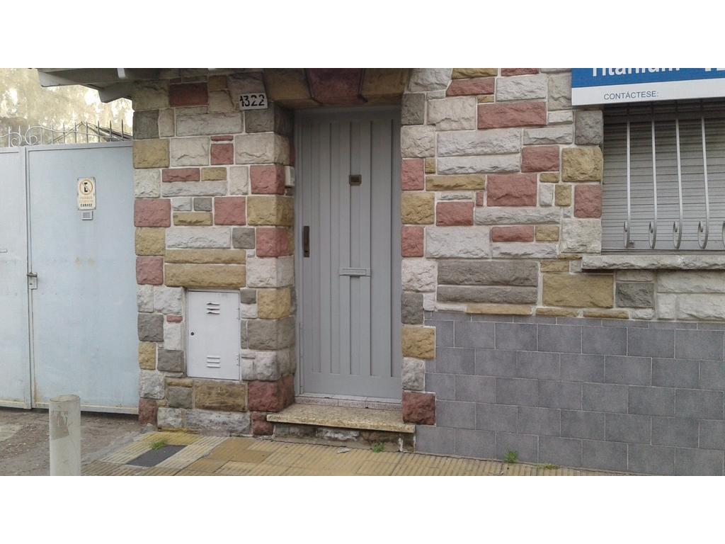 Casa 3 ambientes con Quincho, Terraza y Garaje Pasante