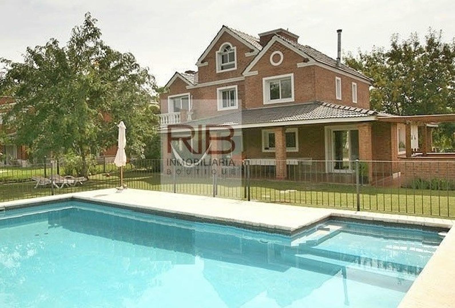 Casa en Alquiler en Ayres De Pilar - 4 ambientes