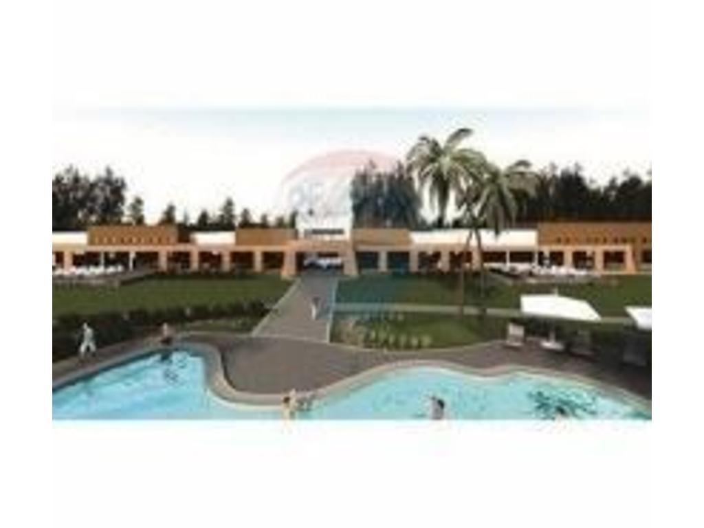 Venta de lote 416 centro, entre el Club House y la Laguna,  muy buena ubicacio, en Campos de Roca II