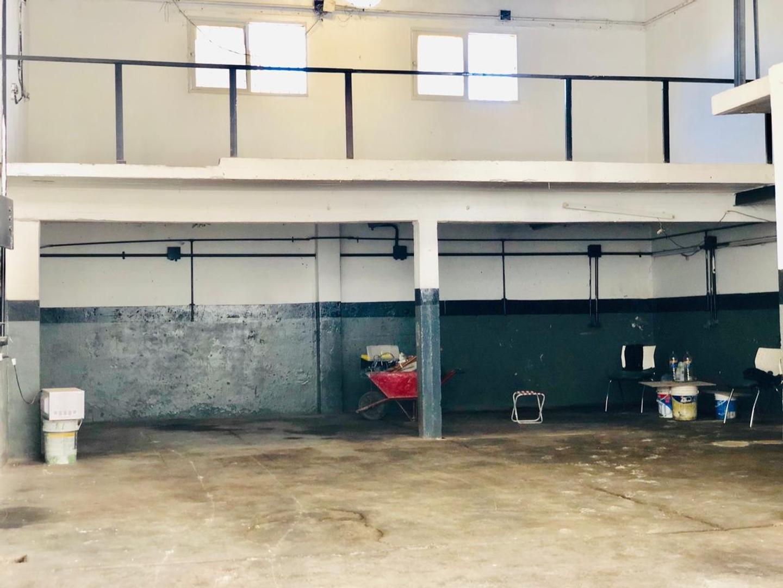 Galpon - 420 m²