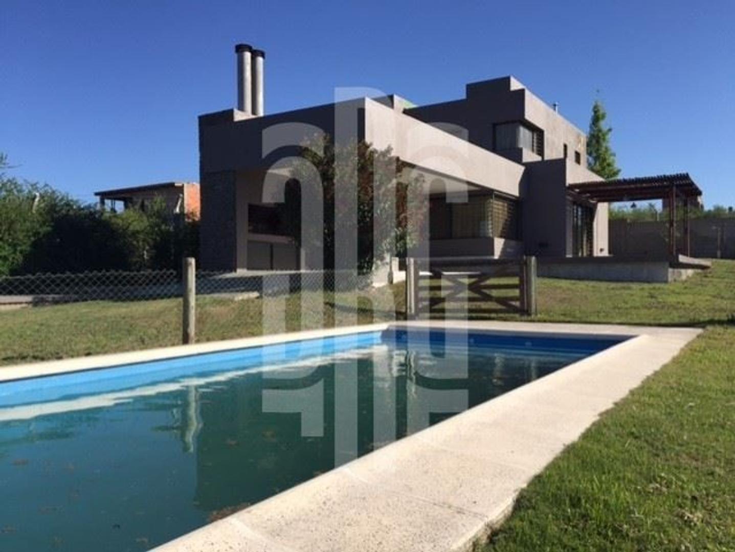 Casa nueva en Alta Gracia, con excelente vista a las Sierras de Cordoba!