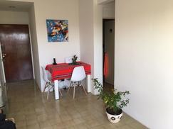 Departamento centro Santos Lugares piso 15