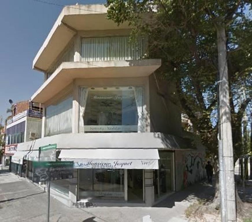 Alquiler Local comercial esquina sobre Avenida Santa Fe, Martinez, San Isidro